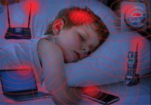ارائه راهکارها و دستورالعمل های حفاظت از کودکان و دانش آموزان در برابر امواج الکترومغناطیسی توسط دکتر محمدرضا نظری ( والدین و مسئولان مدارس بخوانند )