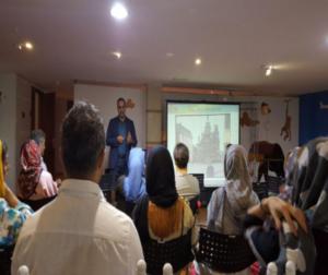 برگزاری سمینار آموزشی در مورد عوارض امواج الکترومغناطیسی و شیوه های ایمن سازی برای والدین در مهدکودک کندو