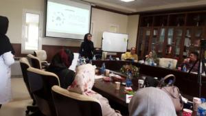 برگزاری کارگاه آموزش ایمن سازی در برابر امواج برای مادران باردار در محل بیمارستان بهمن